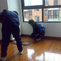 家庭地板保洁