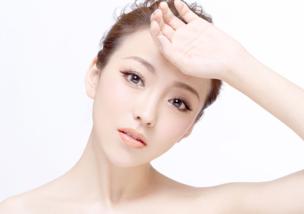 請問化淡妝的步驟和如何選擇適合自己的化妝品