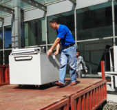 马帮帮为企业提供设备搬运服务