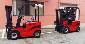 江苏新能源汽车公司再次购买四支点座驾式电动叉车