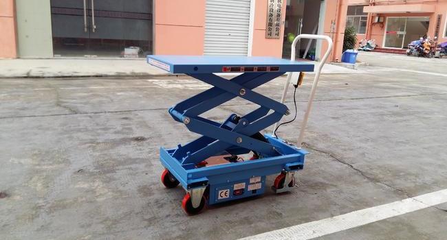 上海某自动化装备公司----电动升降平台车