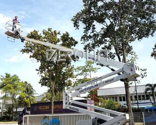 意大利oil&steel蜘蛛车新加坡交货现场---2300EV