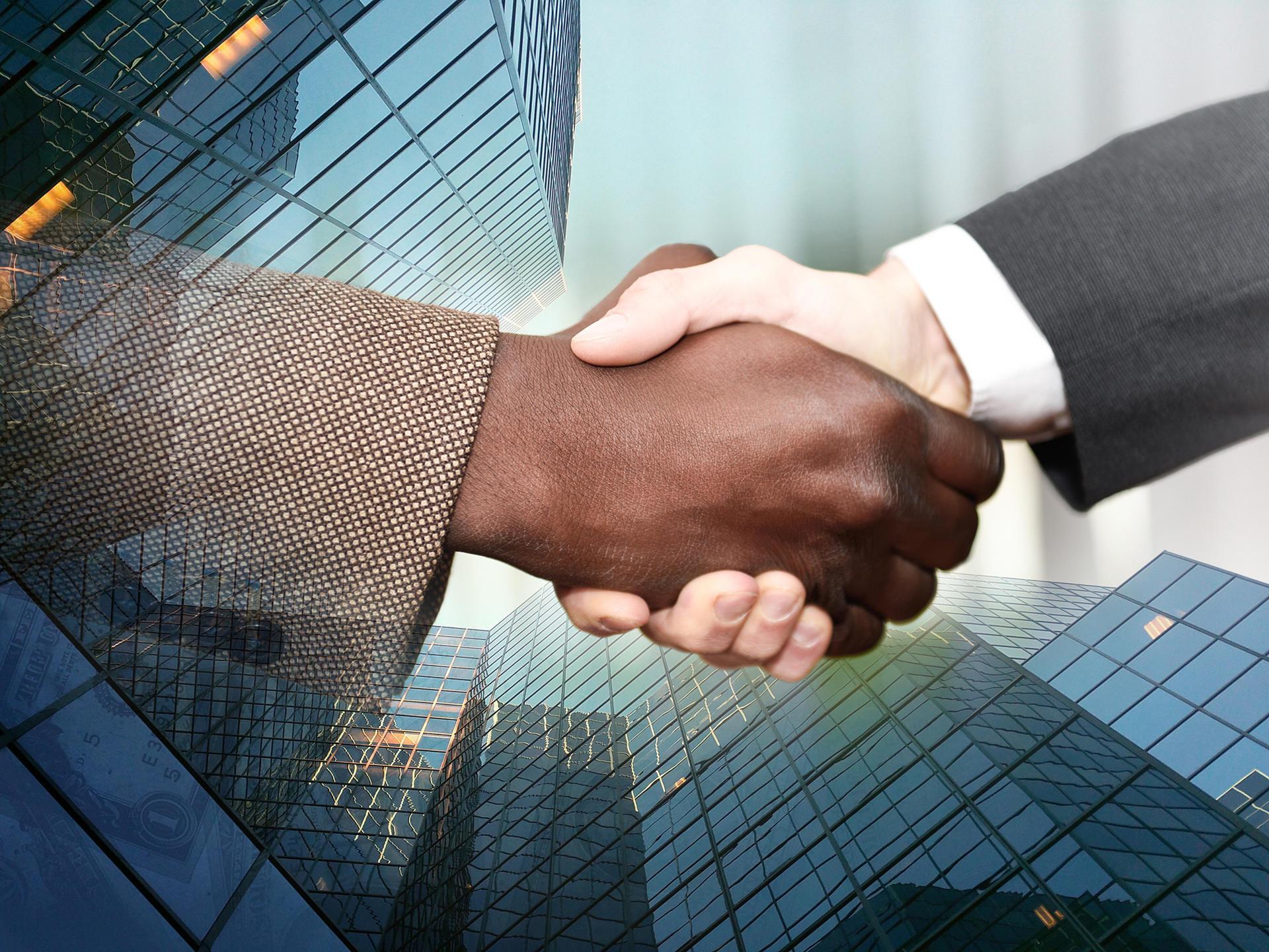 摄图网-商务握手.jpg