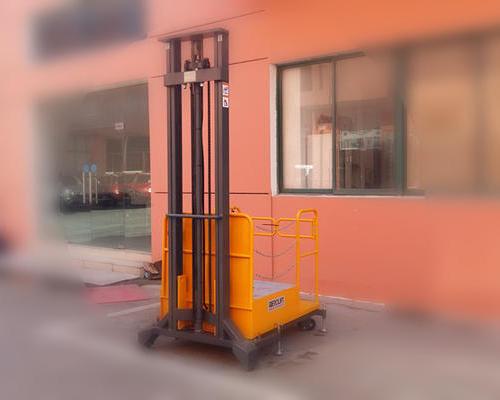 江苏南京某消防演习基地---半电动高空取料机