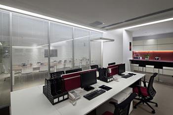 立烨投资咨询350平米现代简约风格办公室装修设计效果图
