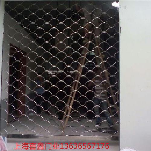 不锈钢网型卷帘门4