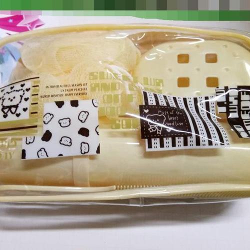 洗漱包  内含牙刷杯 梳子 浴花