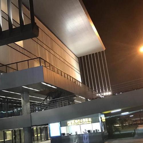 三亚凤凰机场1.2万平U玻幕墙项目