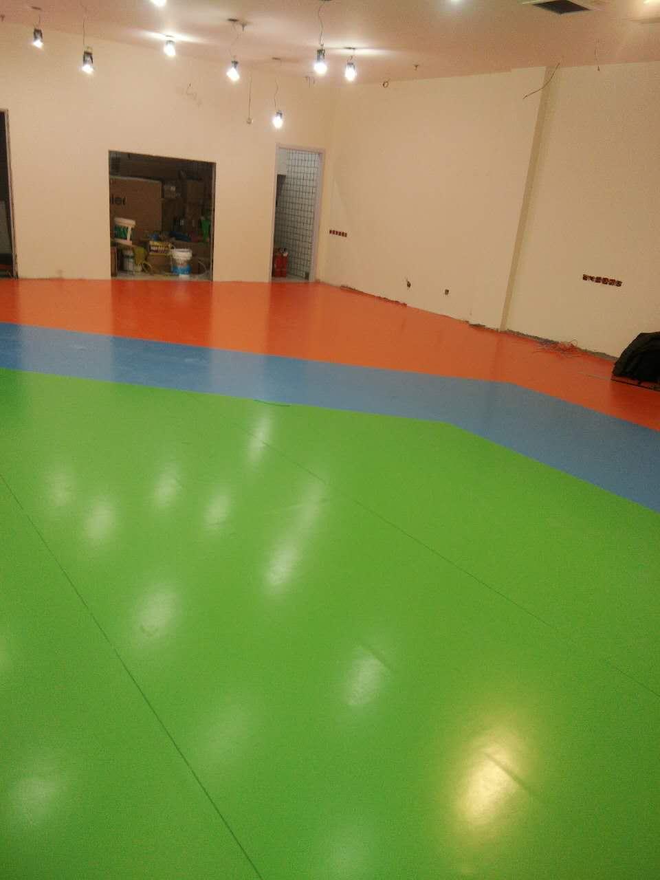 PVC室内运动地板.jpg