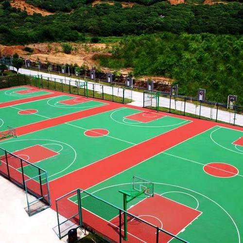室外篮球场