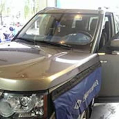 路虎汽车玻璃安装