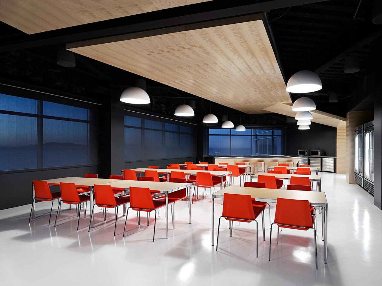 上海天波信息科技有限公司餐厅办公室装修案例