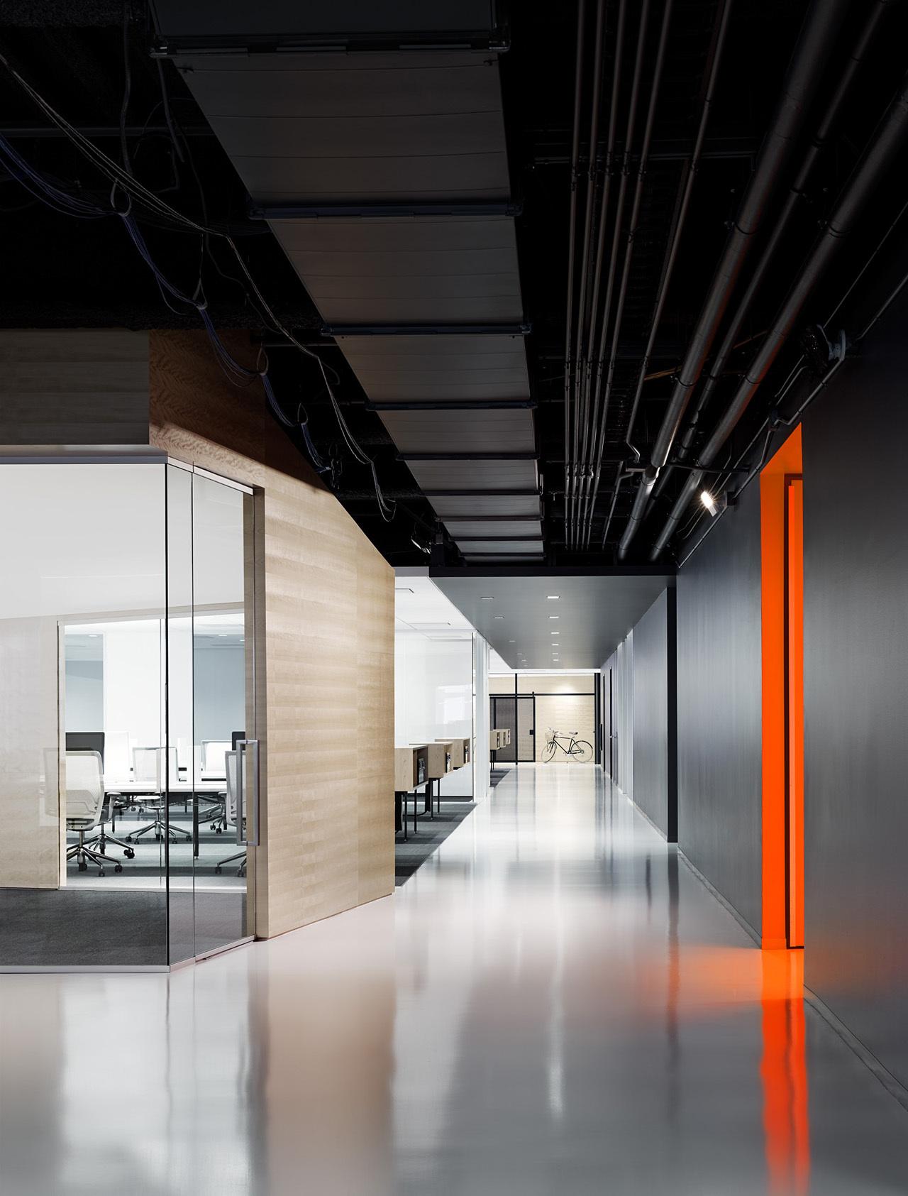 上海天波信息科技有限公司走廊办公室装修案例