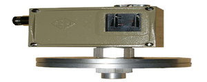 D500/7D壓力控制器的特點、接線圖和外形圖