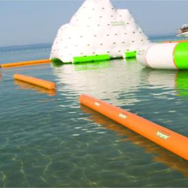 海上充气游乐设备