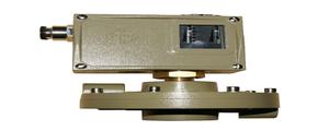 D520M/7DDP差压控制器的特点、接线图和外形图