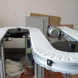 z型柔性链输送机
