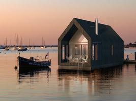 漂浮在水上的模块化建筑