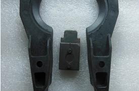 首轮加工中心斗笠式刀库刀爪(左右刀夹)左右夹刀臂加定位块
