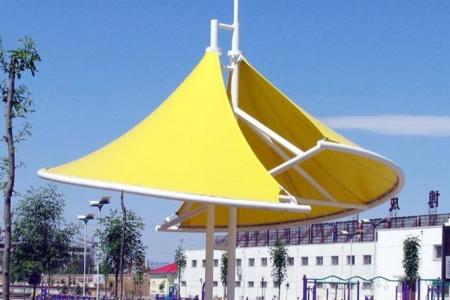 停车棚、阳光板雨棚保护膜贴膜面是向上还是向下安装