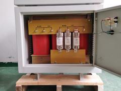 熔断器保护变压器