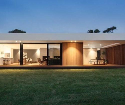 Coastal modern style small house