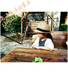 东楮岛来了位有艺术范的小姑娘~~