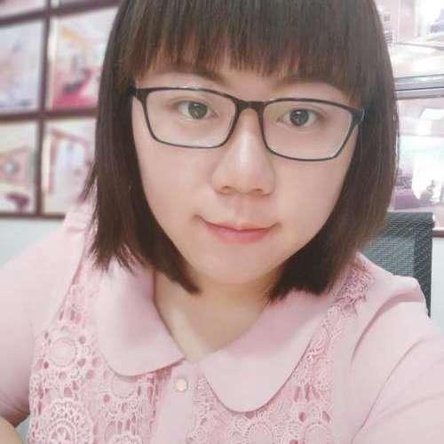 裴菁菁-首席设计师