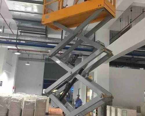 上海某大型包装公司--自行剪叉式升降平台