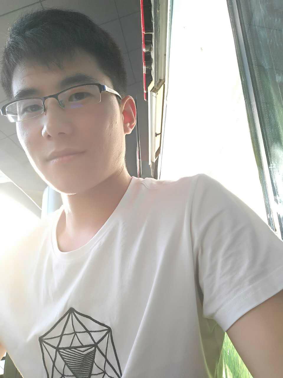 王明坤:资深设计师