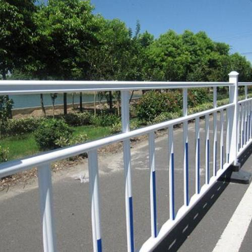 交通防护栏
