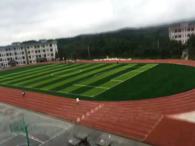 常州远洋塑胶跑道施工案例—贵州黎平六中