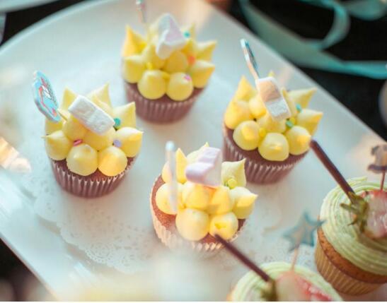 婚礼甜品台一般什么价位 如何选择西式甜品台风格
