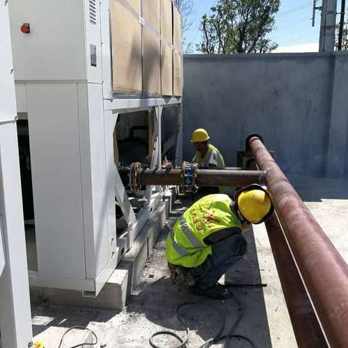冷却水管安装