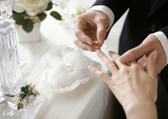婚礼,现在到底是仪式感?还是在演戏?