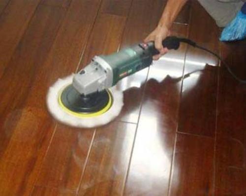 居家保洁:::清洁木地板