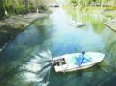 三分喷水船助力河道保洁服务