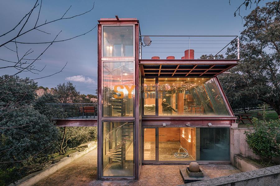通透钢构造隐蔽小屋,用于冥想的静思地
