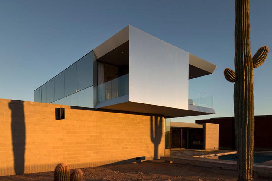 與沙漠美景相映襯的住宅