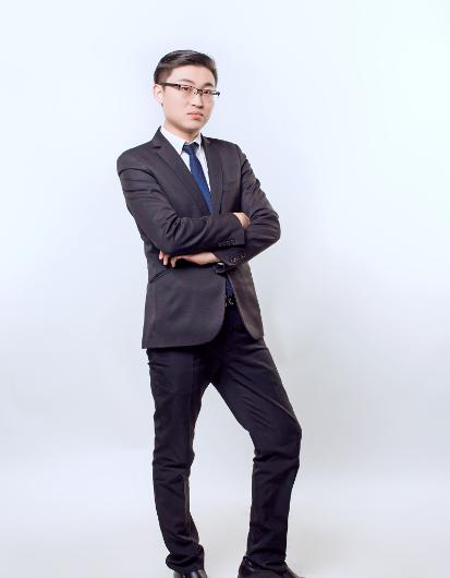 董事兼地产执行总裁:蒋永