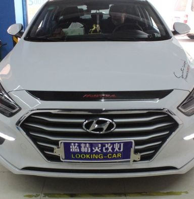 上海现代名图车灯改装米石LED透镜加红色恶魔眼