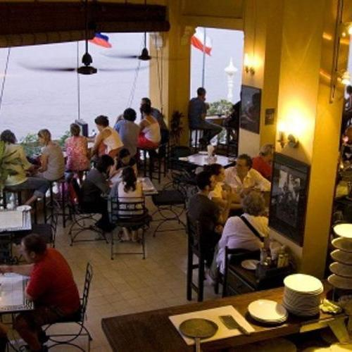 出国常用英语口语100句-餐厅用餐篇