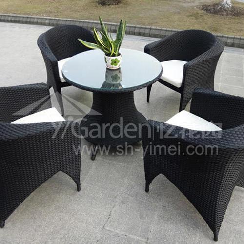 J01-025(1+4编藤桌椅)