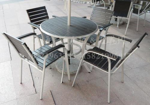 J06-011(塑木桌椅)