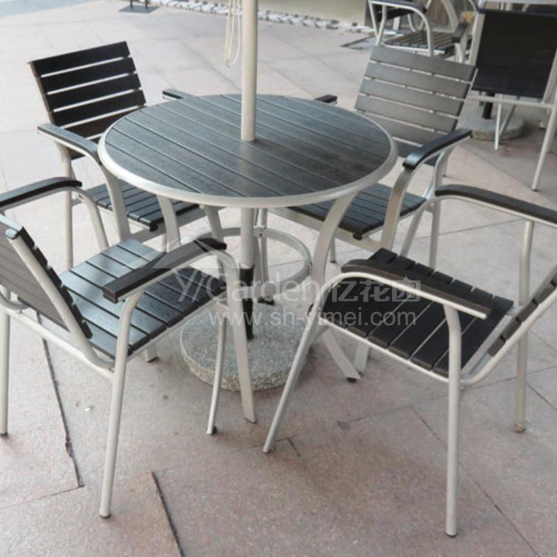 J06-011(塑木桌椅).JPG
