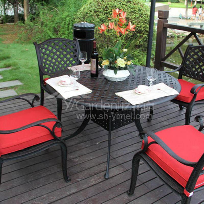 J03-001(1+4铸铝桌椅).JPG