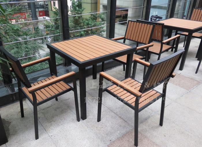 J06-008(塑木桌椅).JPG