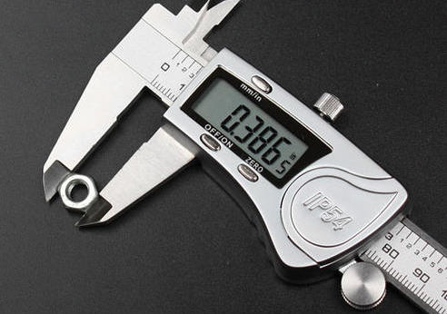 Electronic Digital Caliper Extra-large LCD, Metal Cover,IP54