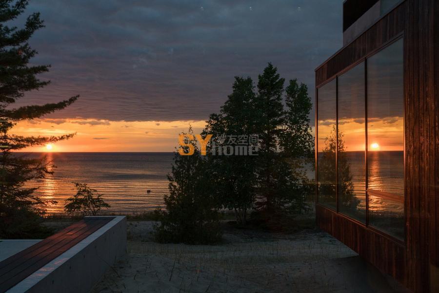 密歇根湖畔的宁静住宅