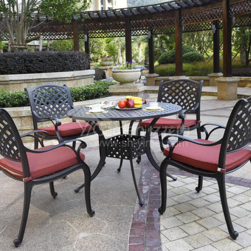 J03-022(1+4铸铝桌椅).jpg